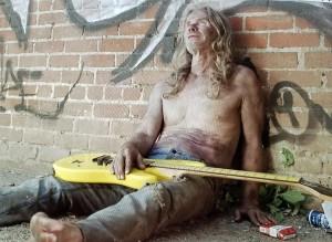 Boston_as_heroin_addict_in_The_Guitar
